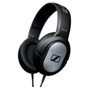 TOP 8 best bluetooth on ear headphones under 100 : Sennheiser closed headphone HD 206